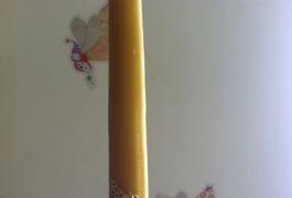 Natūrali žvakė su sijonėliu
